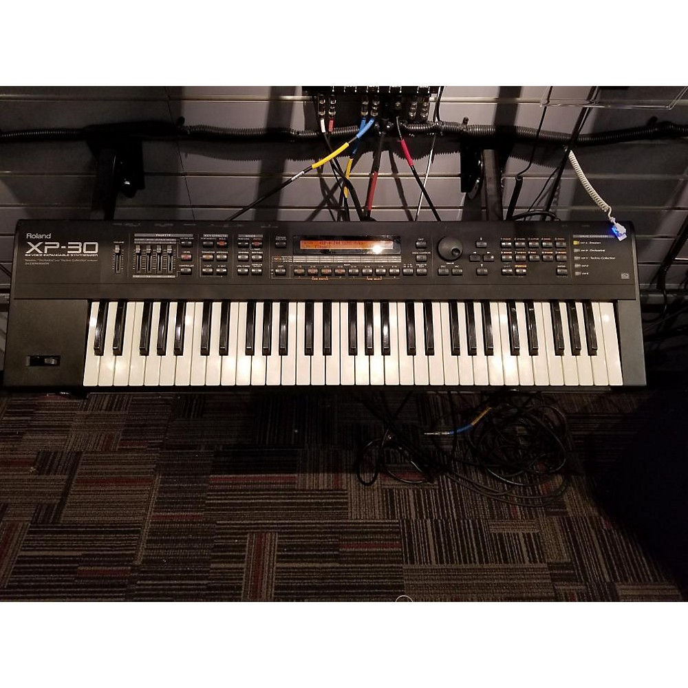 Roland Xp30 Synthesizer