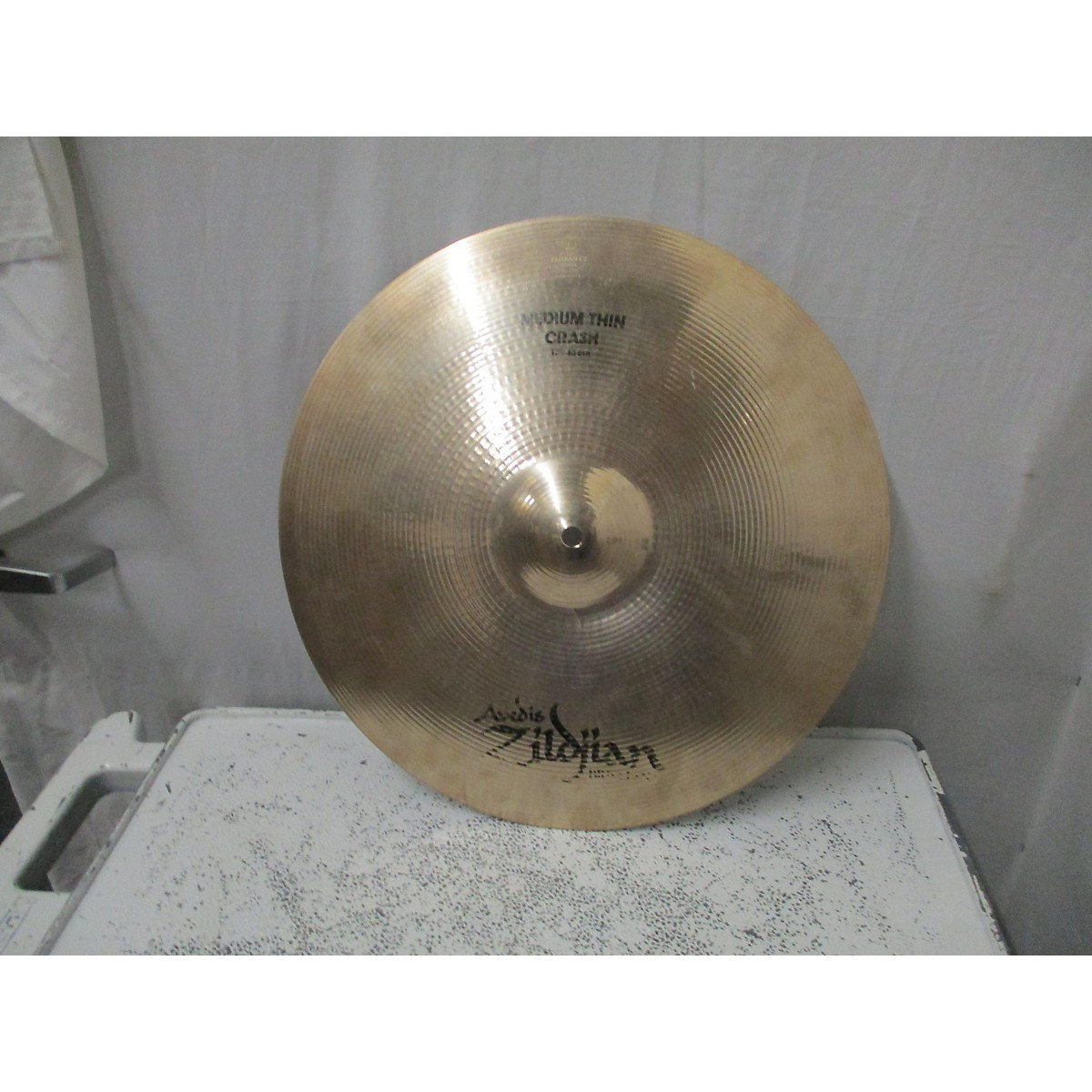 Zildjian 17in Avedis Medium Thin Crash