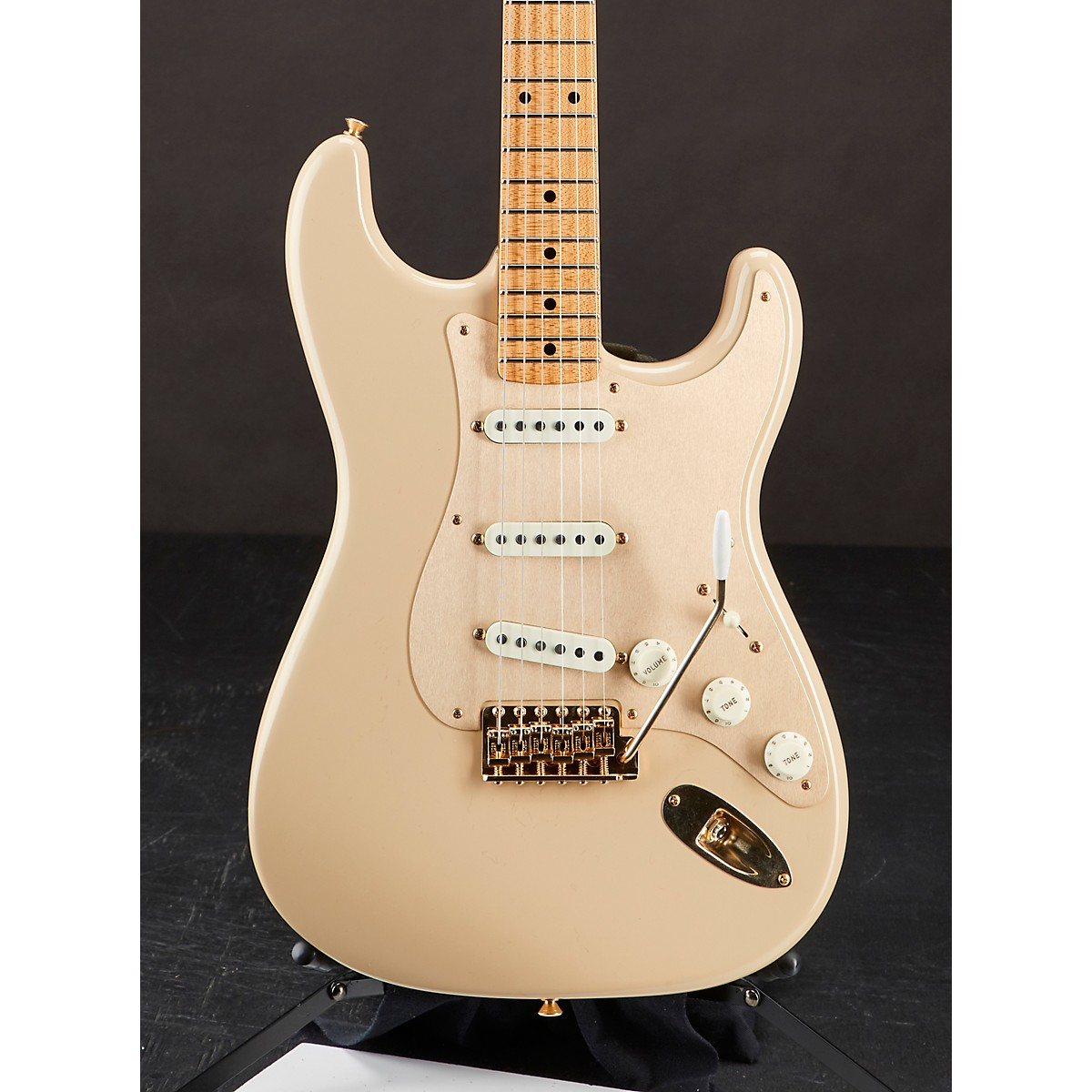 Fender Custom Shop 1957 Stratocaster Deluxe Closet Classic Finish with Gold Hardware Electric Guitar