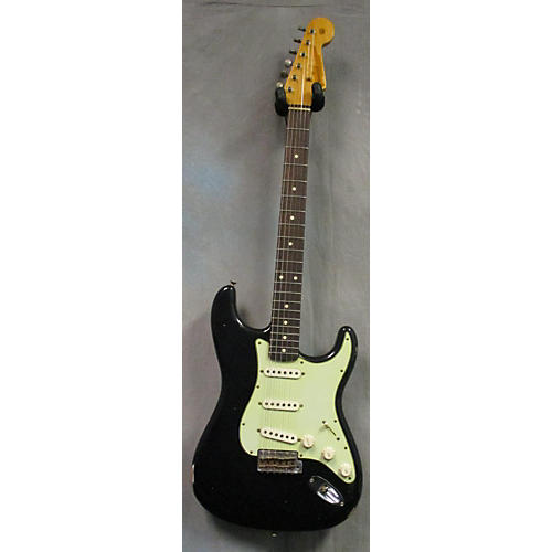 Fender 1960 Relic Stratocaster Solid Body Electric Guitar