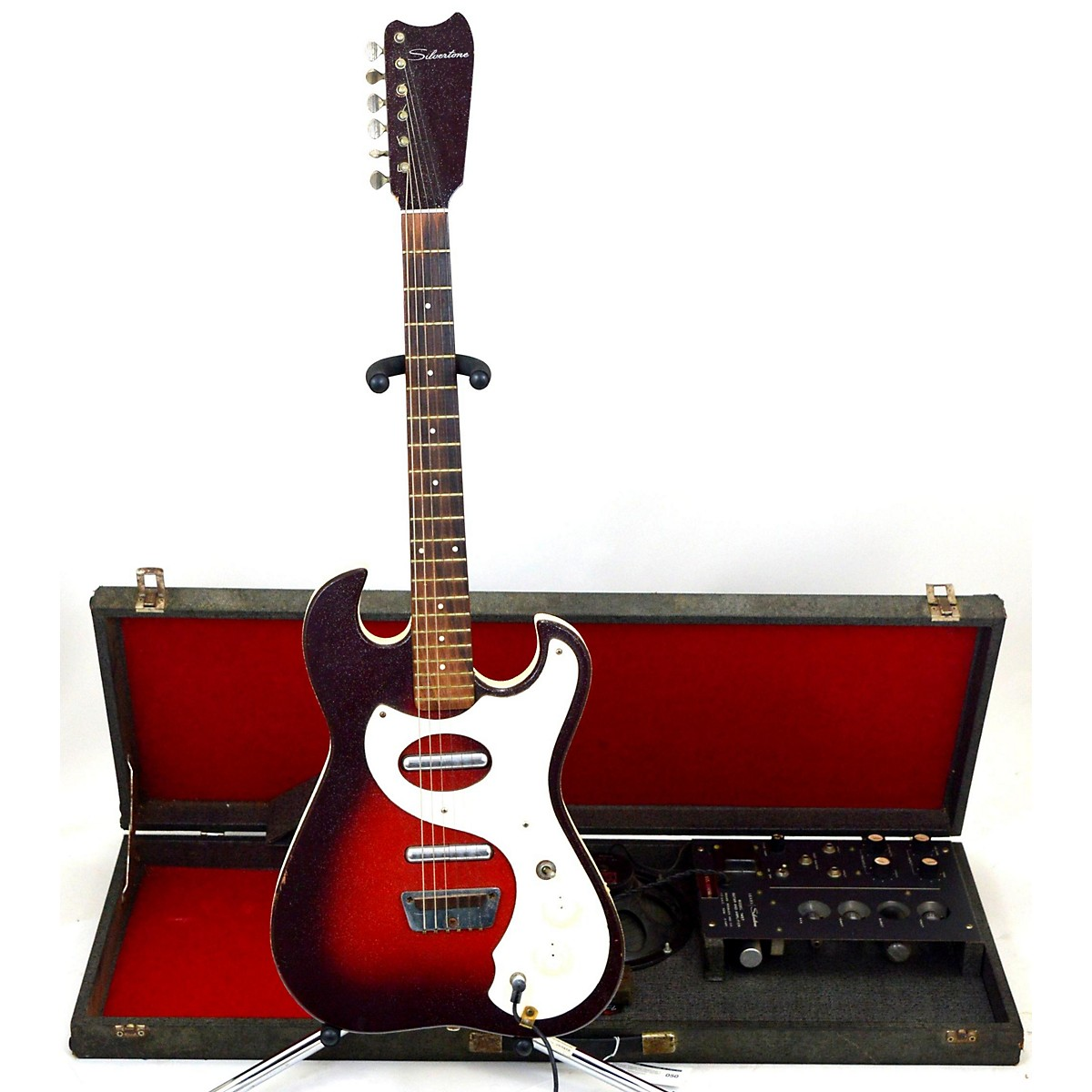 Silvertone 1960s 1457 With Amp-in-Case Solid Body Electric Guitar