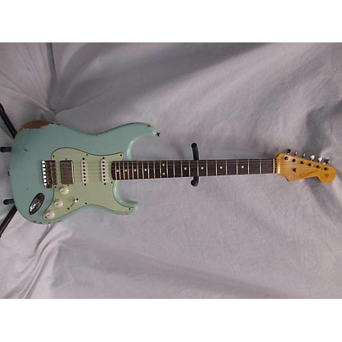 Fender 1962 Relic Stratocaster Solid Body Electric Guitar