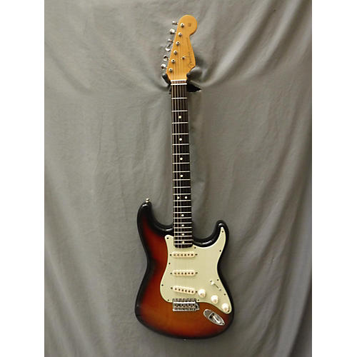Fender 1962 Vintage Reissue Strat (U.S.A.) Solid Body Electric Guitar