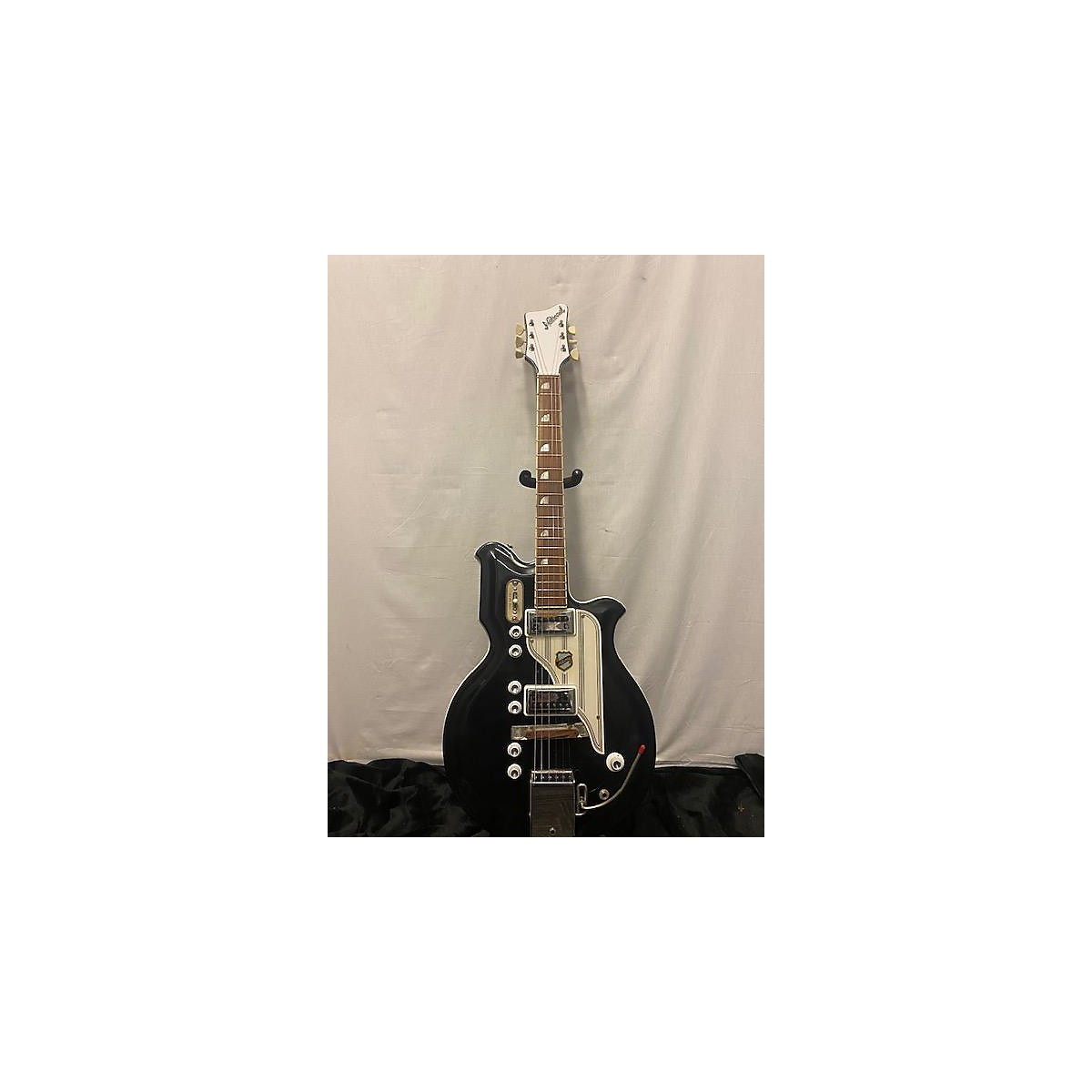 National 1964 NEWPORT 88 Solid Body Electric Guitar