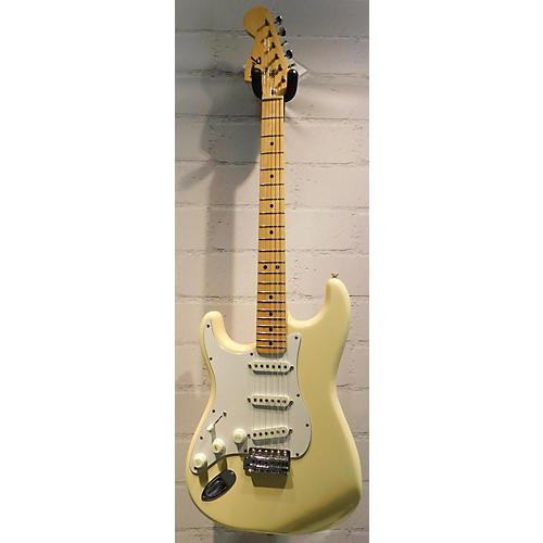 Fender 1975 Stratocaster Left Handed Solid Body Electric Guitar