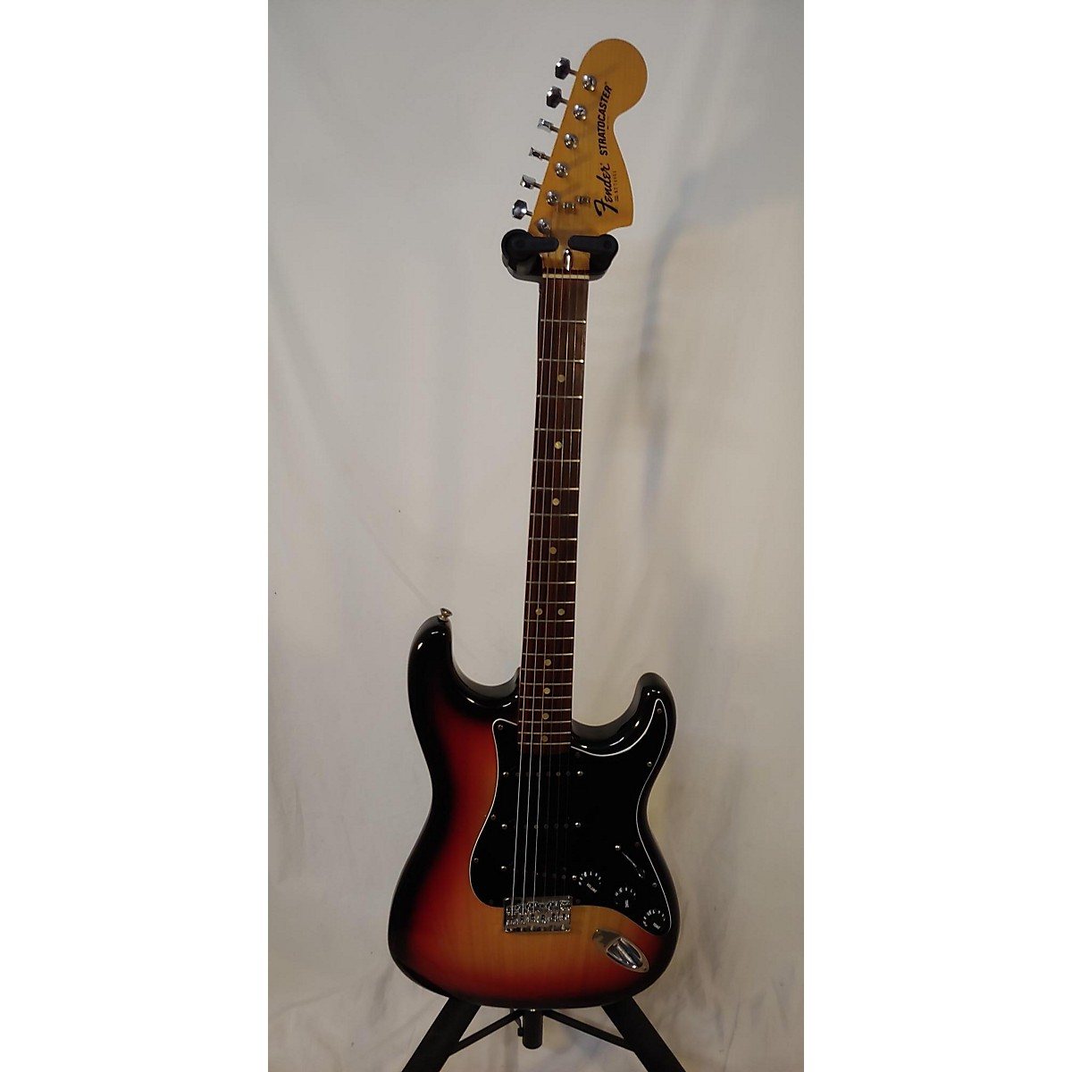 Fender 1977 Stratocaster Solid Body Electric Guitar
