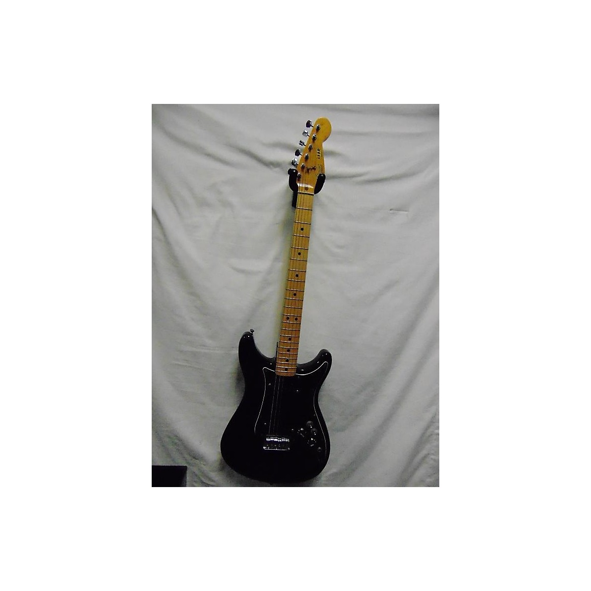 Fender 1981 Player Lead II Solid Body Electric Guitar