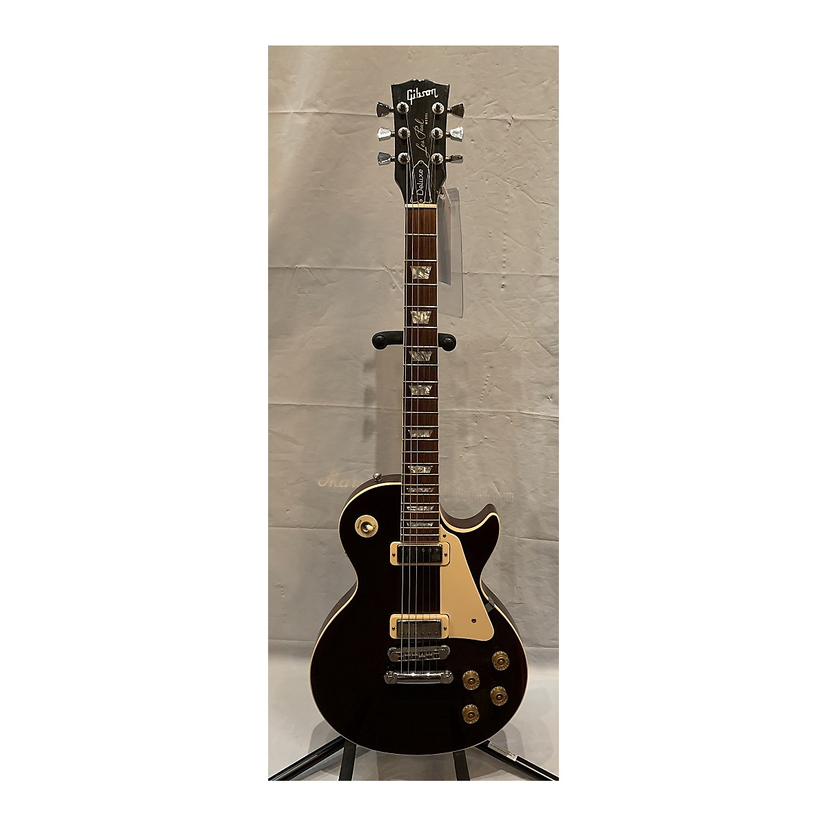 Gibson 1982 Les Paul Deluxe Solid Body Electric Guitar