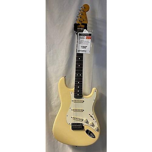Fender 1988 American Deluxe Stratocaster Solid Body Electric Guitar