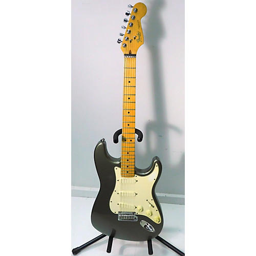 Fender 1989 1989 STRATOCASTER Solid Body Electric Guitar