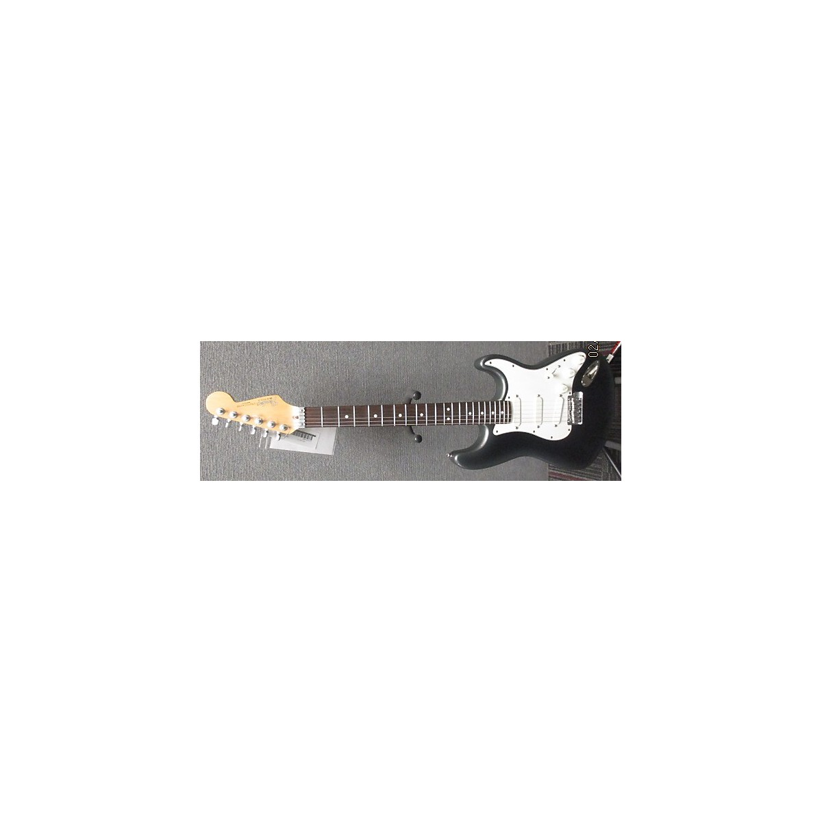 Fender 1990 American Deluxe Stratocaster Plus Solid Body Electric Guitar