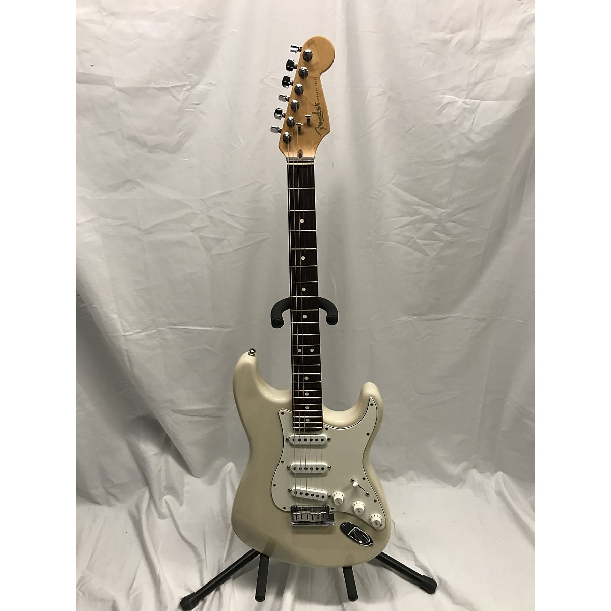 Fender 1994 American Standard Stratocaster Solid Body Electric Guitar
