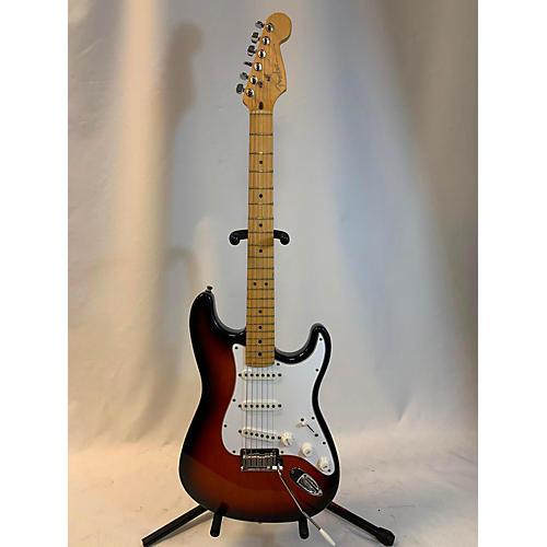 used fender 1995 american standard stratocaster solid body electric guitar 3 color sunburst. Black Bedroom Furniture Sets. Home Design Ideas