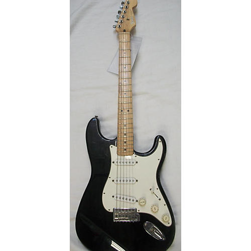 used fender 1995 standard stratocaster solid body electric guitar guitar center. Black Bedroom Furniture Sets. Home Design Ideas