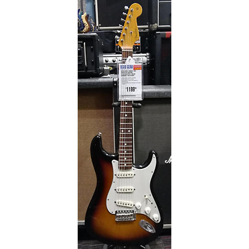 Fender 2000s 1962 American Vintage Stratocaster Solid Body Electric Guitar