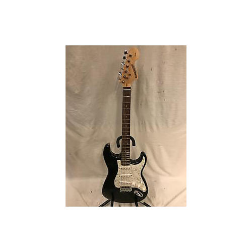 Starcaster by Fender 2000s Stratocaster Solid Body Electric Guitar