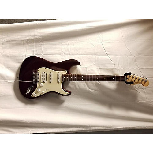 Fender 2003 STRATOCASTER Solid Body Electric Guitar