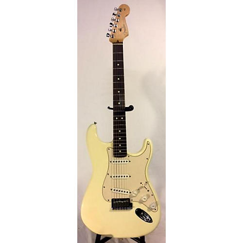 Fender 2004 American Standard Stratocaster Solid Body Electric Guitar