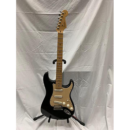 used fender 2004 american standard stratocaster solid body electric guitar black and gold. Black Bedroom Furniture Sets. Home Design Ideas