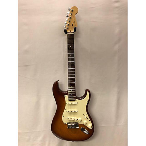 Fender 2008 American Deluxe Ash Stratocaster Solid Body Electric Guitar