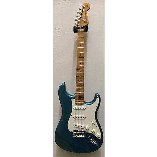 Fender 2008 Standard Stratocaster Solid Body Electric Guitar