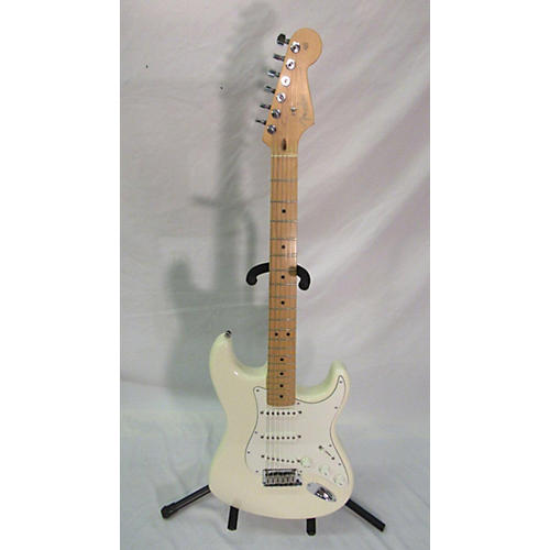 Fender 2010 American Standard Stratocaster Solid Body Electric Guitar