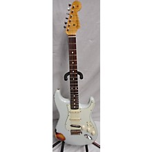 Fender 2014 1960 Limited Edition Relic Stratocaster Solid Body Electric Guitar