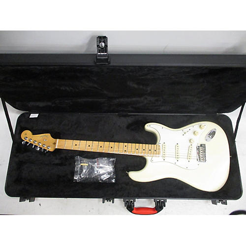 Fender 2015 Amarican Standard Stratocaster Solid Body Electric Guitar
