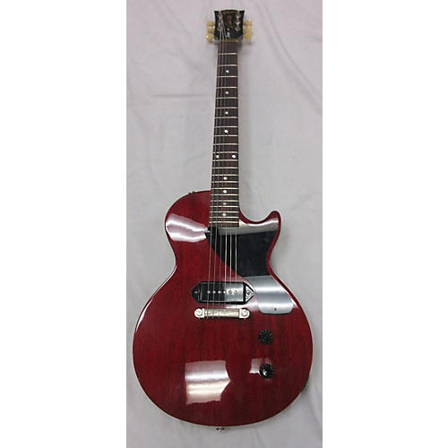 """gibson les paul junior dating Gibson double cutaway les paul jr 2011 cherry the les paul junior doublecut carries gibson's """"lightning bar"""" version of the hallowed wraparound bridge."""