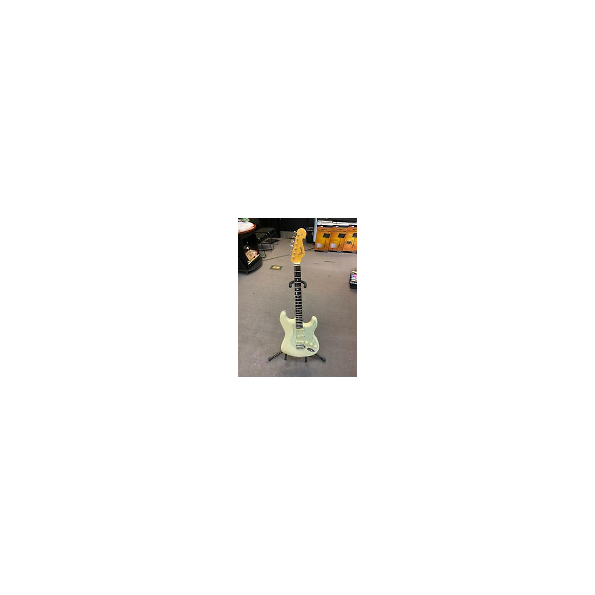 Fender 2018 American Original 60s Stratocaster Solid Body Electric Guitar