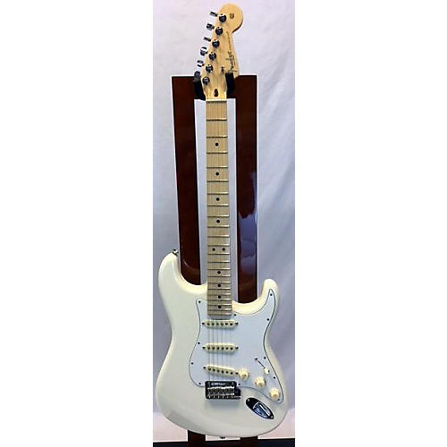 Fender 2018 American Professional Stratocaster SSS Solid Body Electric Guitar