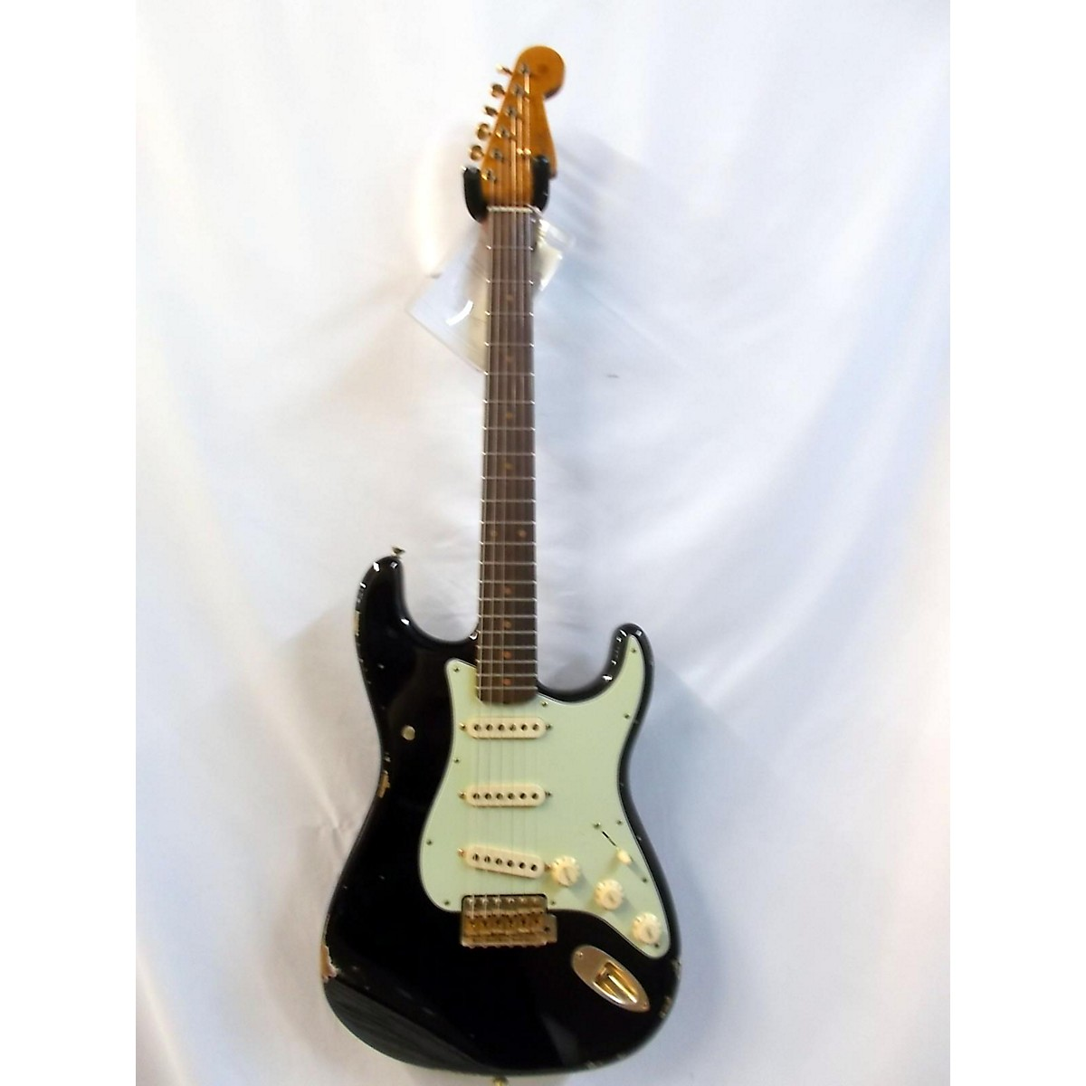Fender 2018 Custome Shopblack Gold Stratocaster Solid Body Electric Guitar