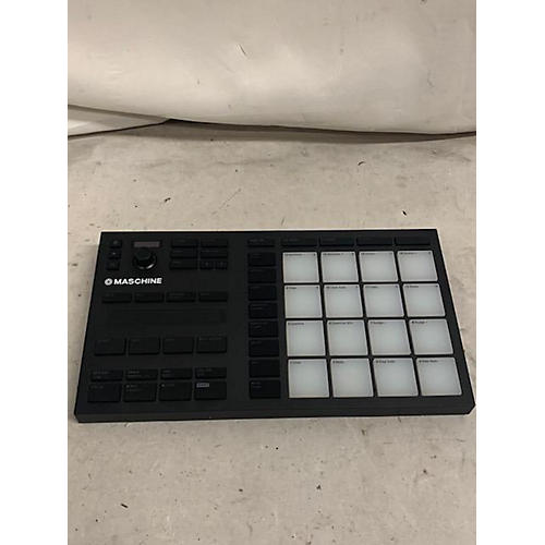 used native instruments 2018 maschine mikro mk3 midi controller guitar center. Black Bedroom Furniture Sets. Home Design Ideas