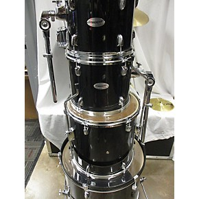 used starcaster by fender 5 piece drumset with cymbals and stands drum kit guitar center. Black Bedroom Furniture Sets. Home Design Ideas