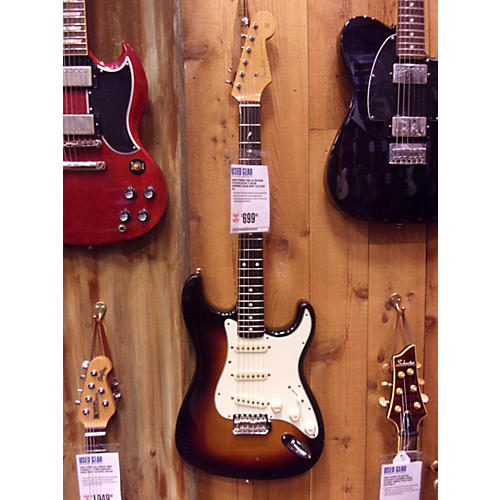 Fender 65 Reissue Stratocaster Solid Body Electric Guitar