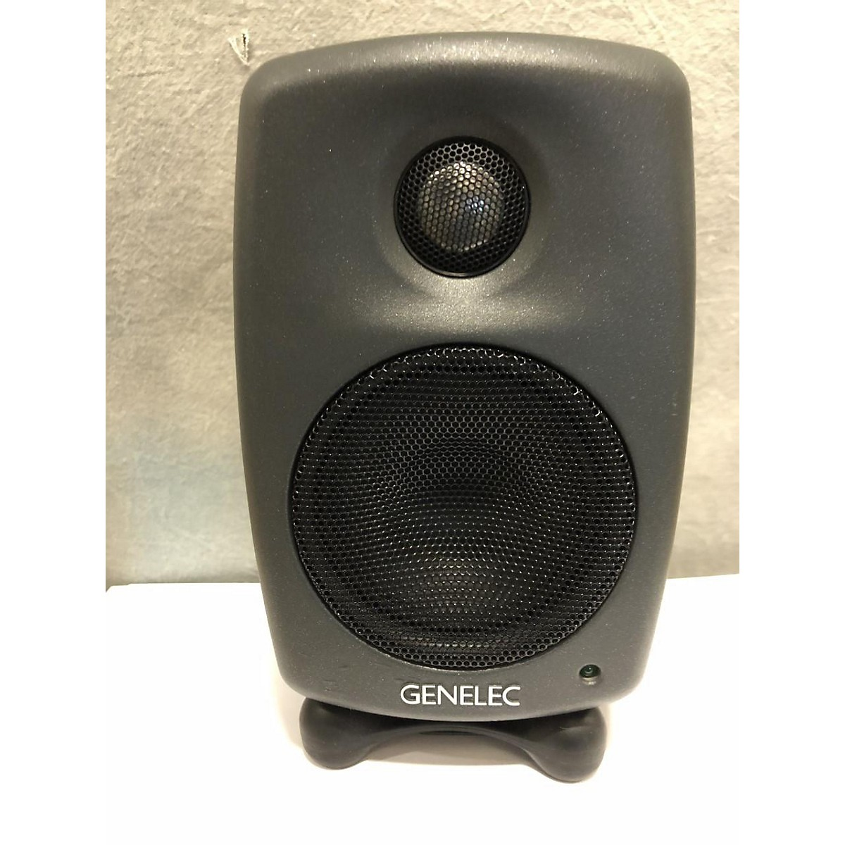 Genelec 8010A BI-AMPLIFIED MONITORING SYSTEM Powered Monitor