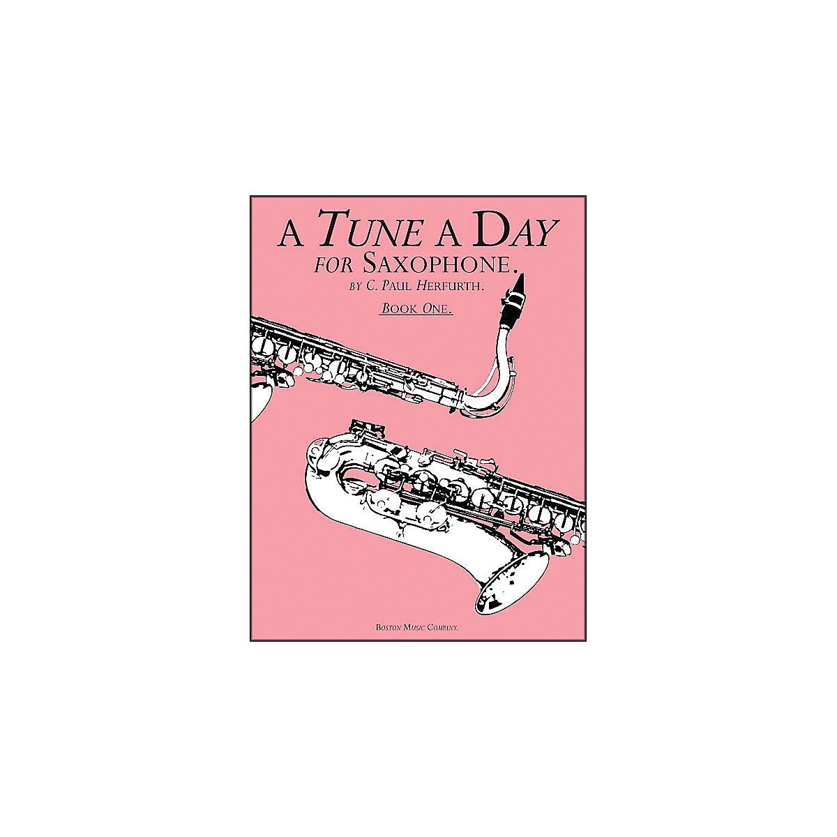Music Sales A Tune A Day Saxophone Book 1