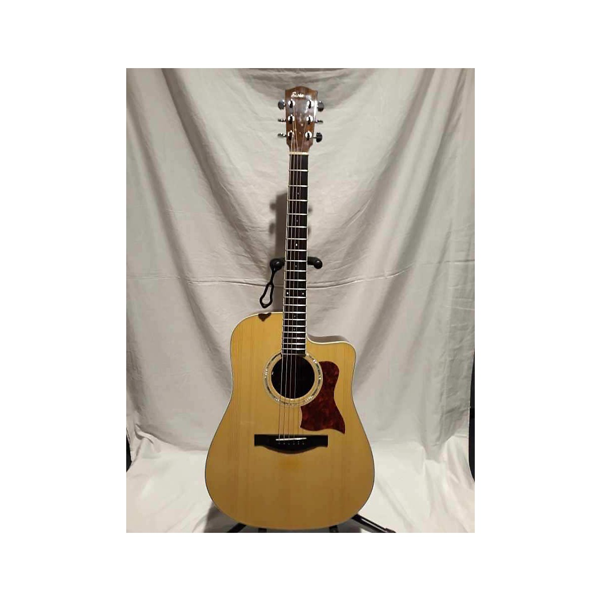 Eastman AC40CE Acoustic Electric Guitar
