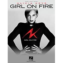 Hal Leonard Alicia Keys - Girl On Fire Piano/Vocal/Guitar PVG