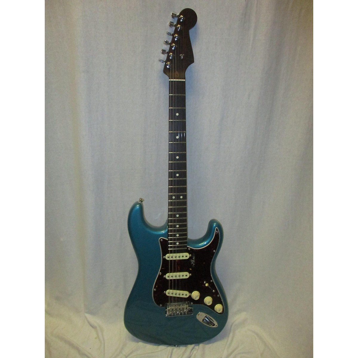 Fender American Professional Stratocaster Rosewood Neck Limited Edition Solid Body Electric Guitar