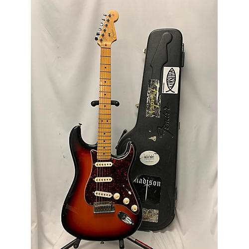 used fender american standard stratocaster solid body electric guitar 3 tone sunburst guitar. Black Bedroom Furniture Sets. Home Design Ideas