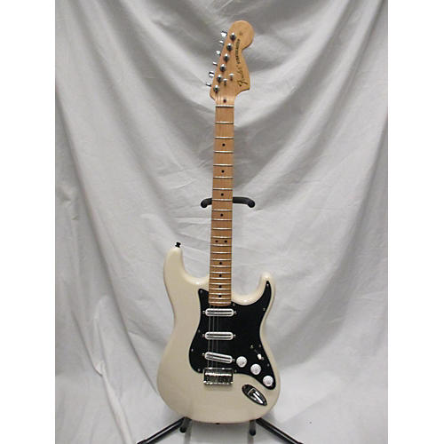 used fender artist series billy corgan signature stratocaster electric guitar olympic white. Black Bedroom Furniture Sets. Home Design Ideas