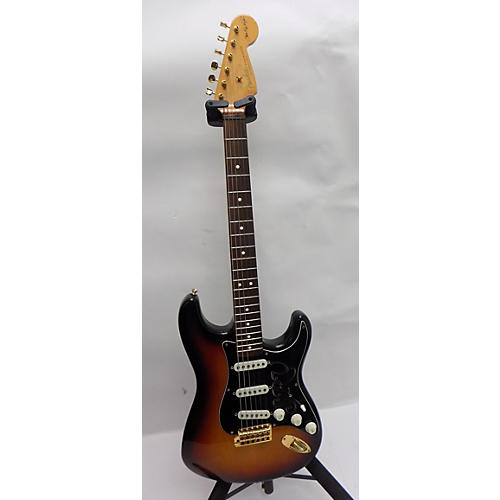 used fender artist series stevie ray vaughan stratocaster solid body electric guitar 3 color. Black Bedroom Furniture Sets. Home Design Ideas