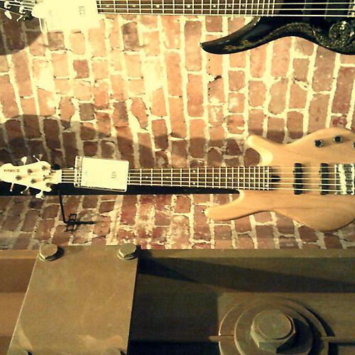 used yamaha bb405 electric bass guitar natural guitar center. Black Bedroom Furniture Sets. Home Design Ideas