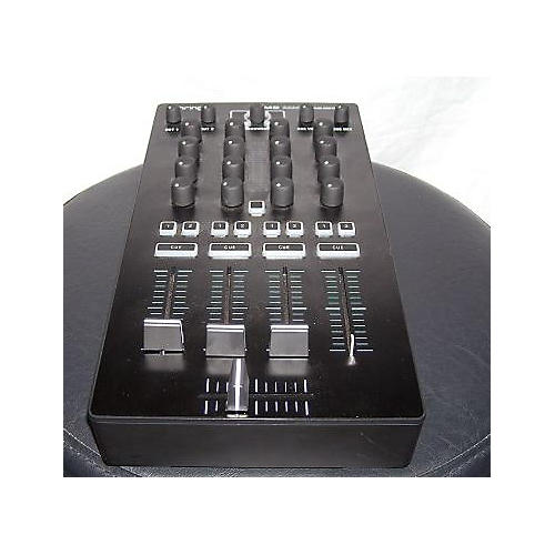 Behringer CMD MM1 DJ Controller