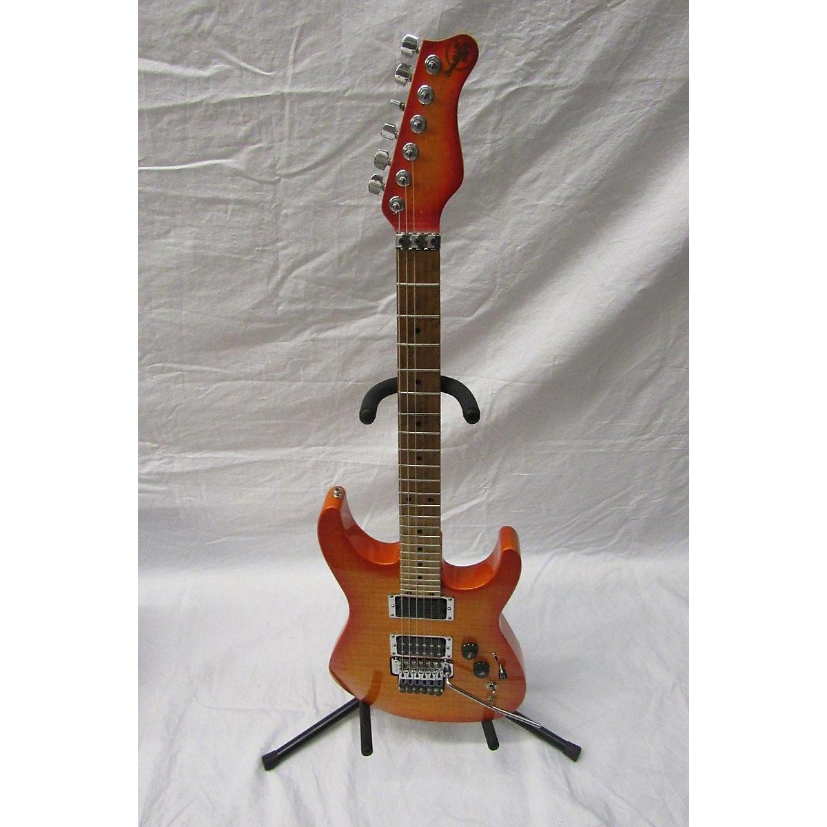 Valley Arts CUSTOM PRO USA Solid Body Electric Guitar