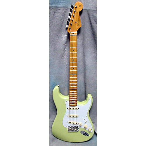 Fender Classic Series '50s Stratocaster Solid Body Electric Guitar