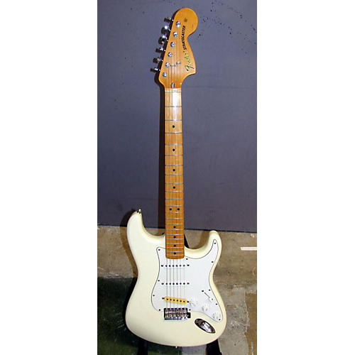 Fender Classic Series '70s Stratocaster Solid Body Electric Guitar