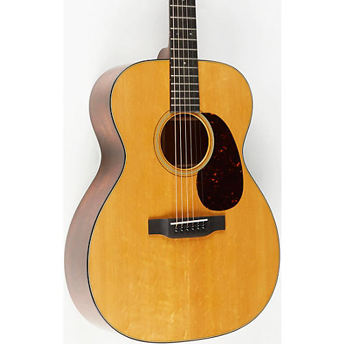 Martin Custom Auditorium Flamed Mahogany With Bearclaw Top Deluxe Acoustic Guitar