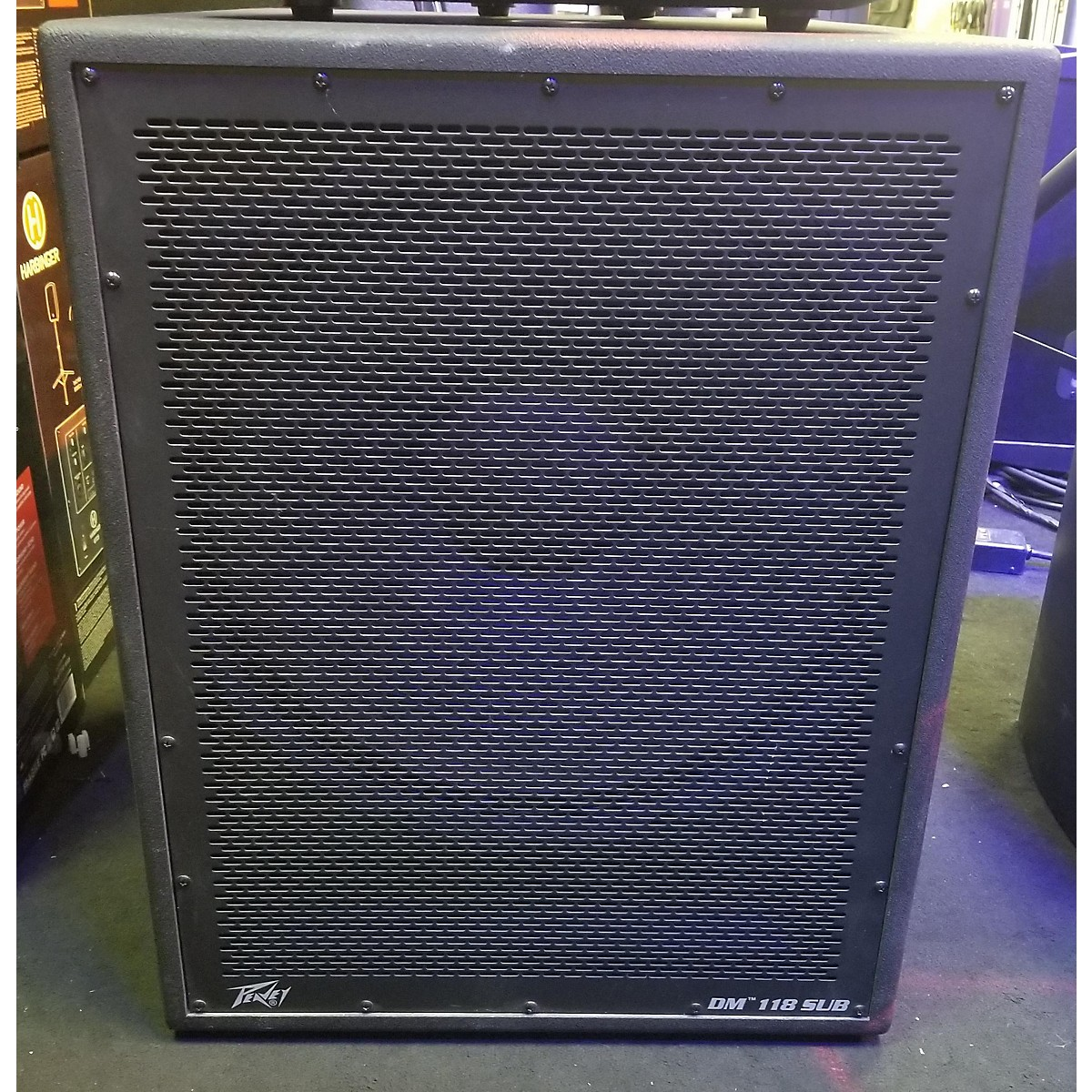 Peavey DAR MATTER 18 POWERED SUB Powered Speaker